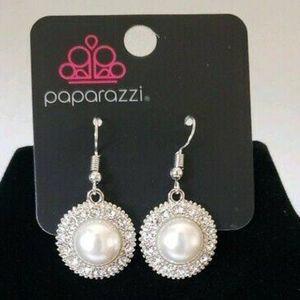 paparazzi Jewelry - Take a vow white earrings